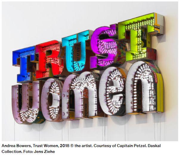 Ausstellungsstück Trust Women title=