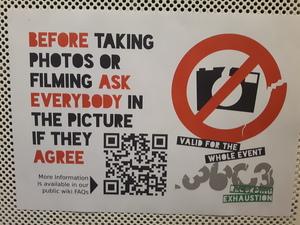Schild zum Thema Fotos machen